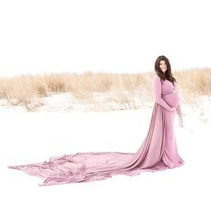 Maternity Photo Shoot Gown. This has 2 pieces.